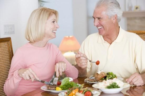 Chế độ ăn phòng ngừa suy dinh dưỡng ở người cao tuổi