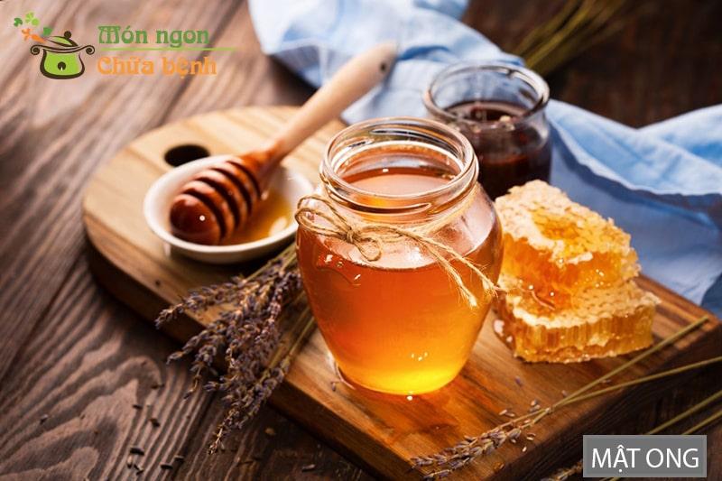Mật ong giàu vitamin B và boron giúp sản xuất testosteron ở nam giới