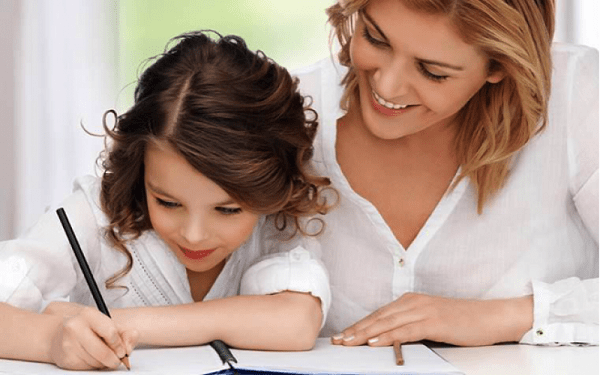 Cha mẹ có thể cho trẻ viết nhật kí để nâng cao kĩ năng viết hơn