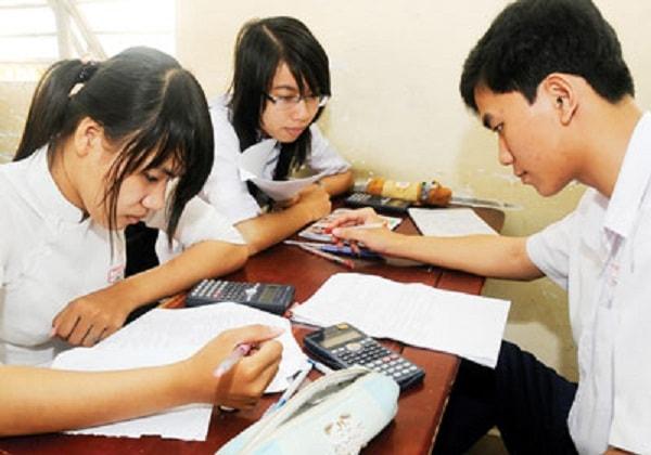Gia sư môn Vật lý sẽ giúp các em học sinh lớp 11 học tốt hơn môn học này