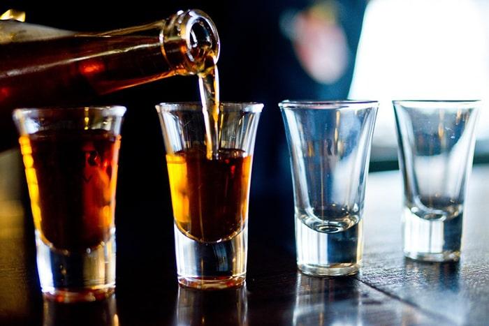 Rượu là nguyên nhân chính gây gan nhiễm mỡ bạn cần tránh