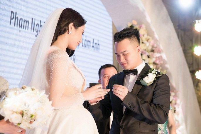 Vợ chồng Diệp Lâm Anh - Nghiêm Đức
