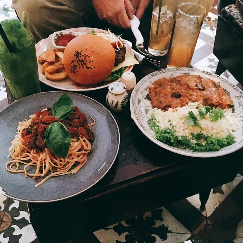 Nhà hàng chay hiện đại The Hanoi Social Club